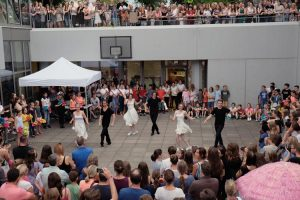 Sommerfest: Aufführung der Tanz-AG