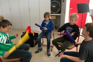 Boomwhacker im Musikunterricht